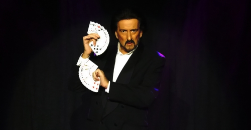 Magician / Illusionist John Sterlini Card Manipulation