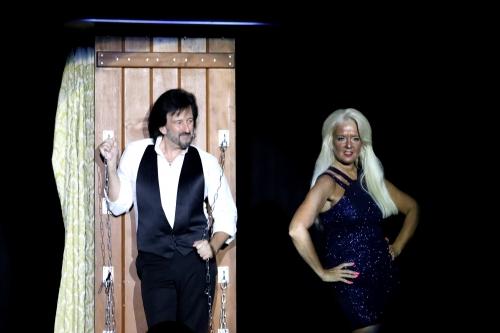Magician / Illusionist John Sterlini Escape